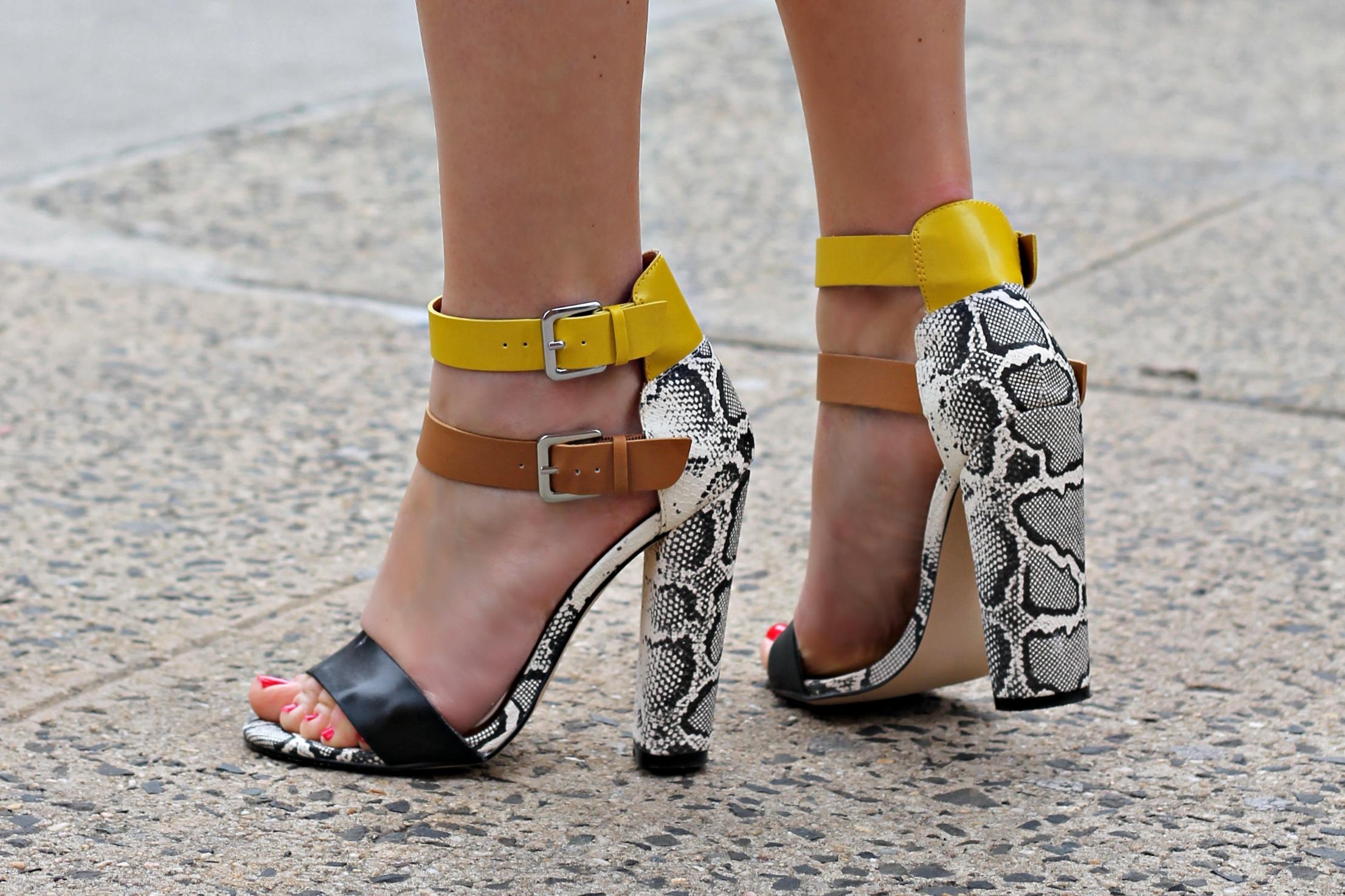 96abbdb3f395 Just fab snakeskin sandals jpg 2212x1475 Justfab shoes sandals
