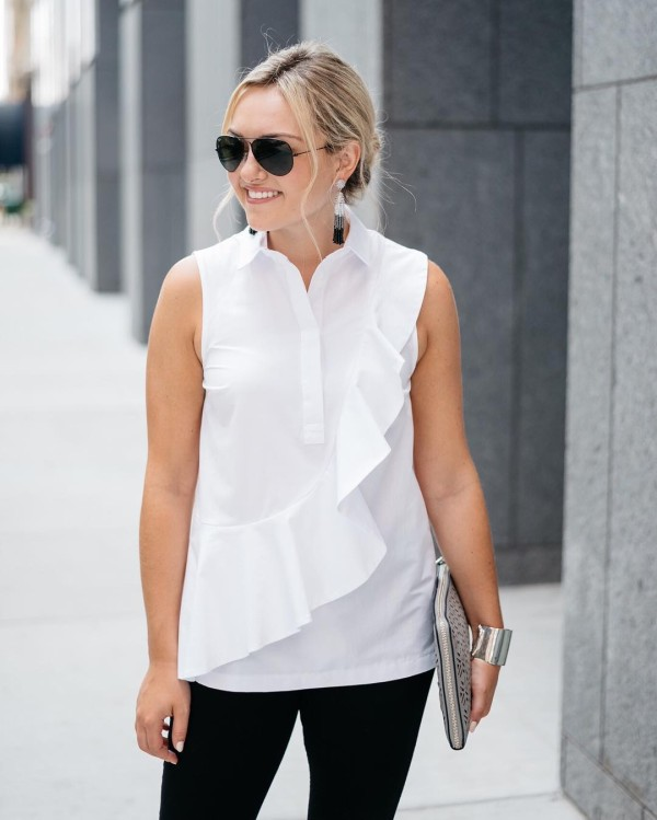 This ruffled top has been on repeat lately! I lovehellip