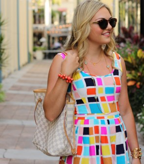 Colorful Dress and Jewelry in Florida