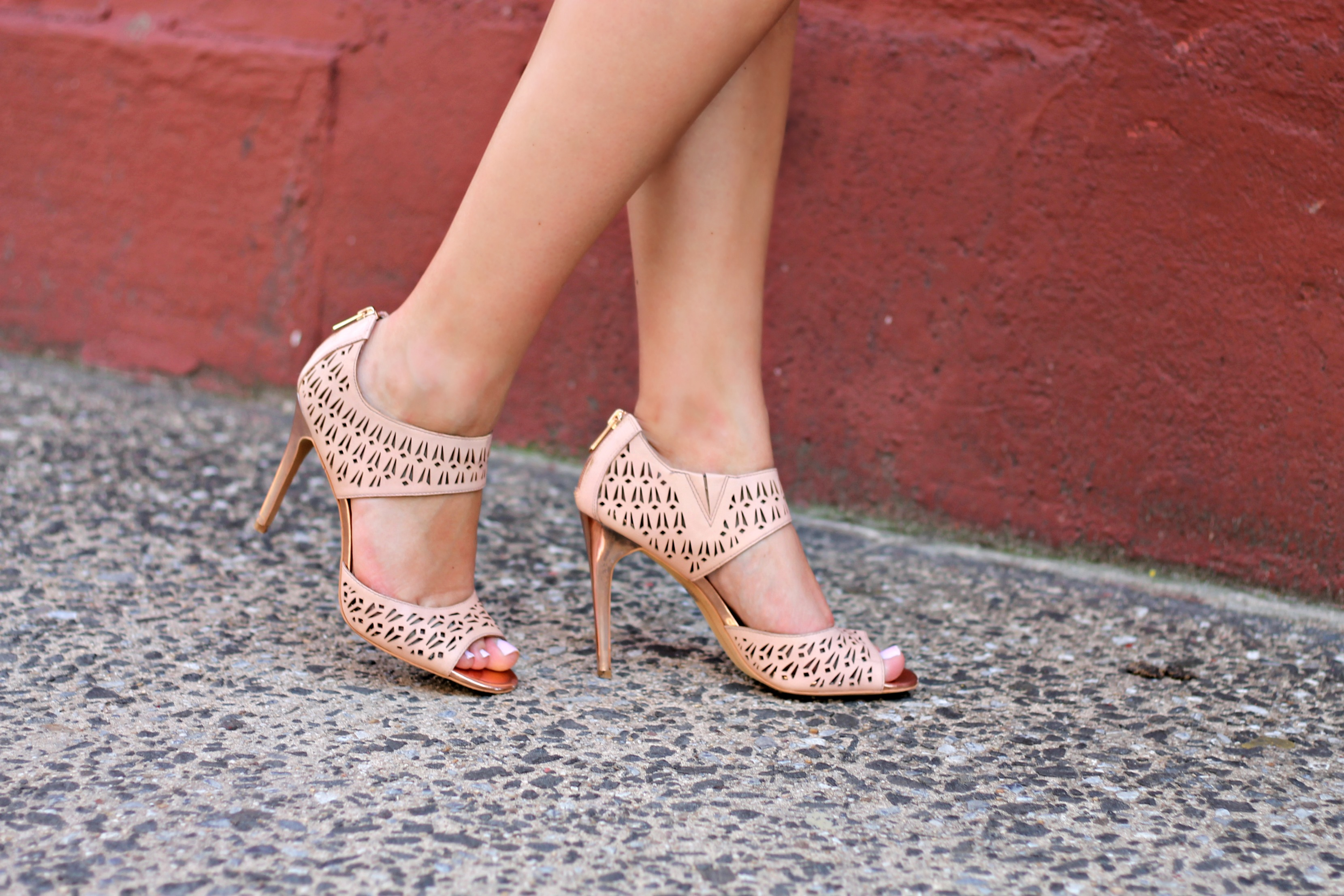 be8a1c3e0b Sam Edelman Nude Rose Gold Pumps — bows & sequins