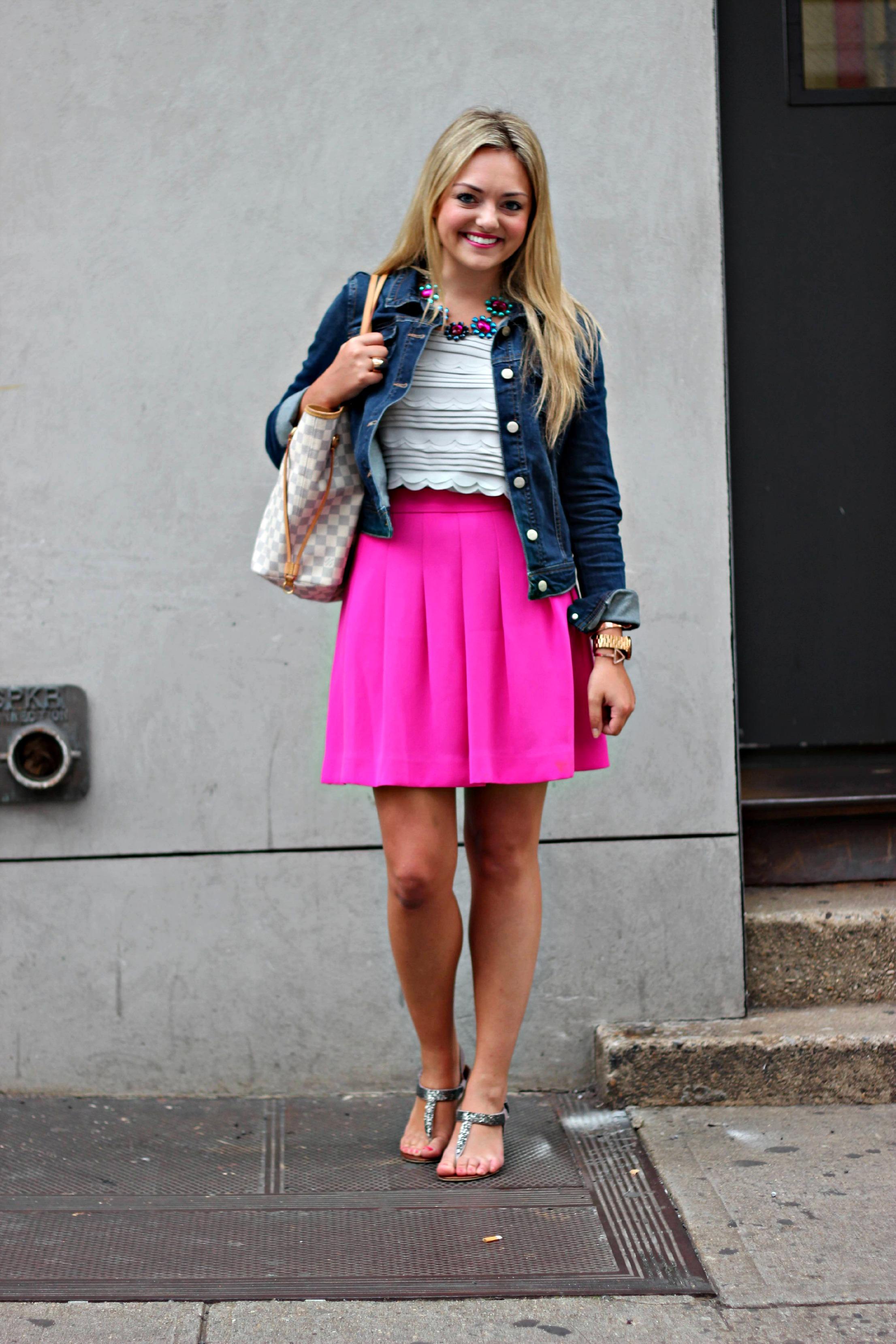 fantastic pink denim skirt outfits 8