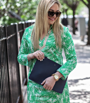 kelly green and navy blue