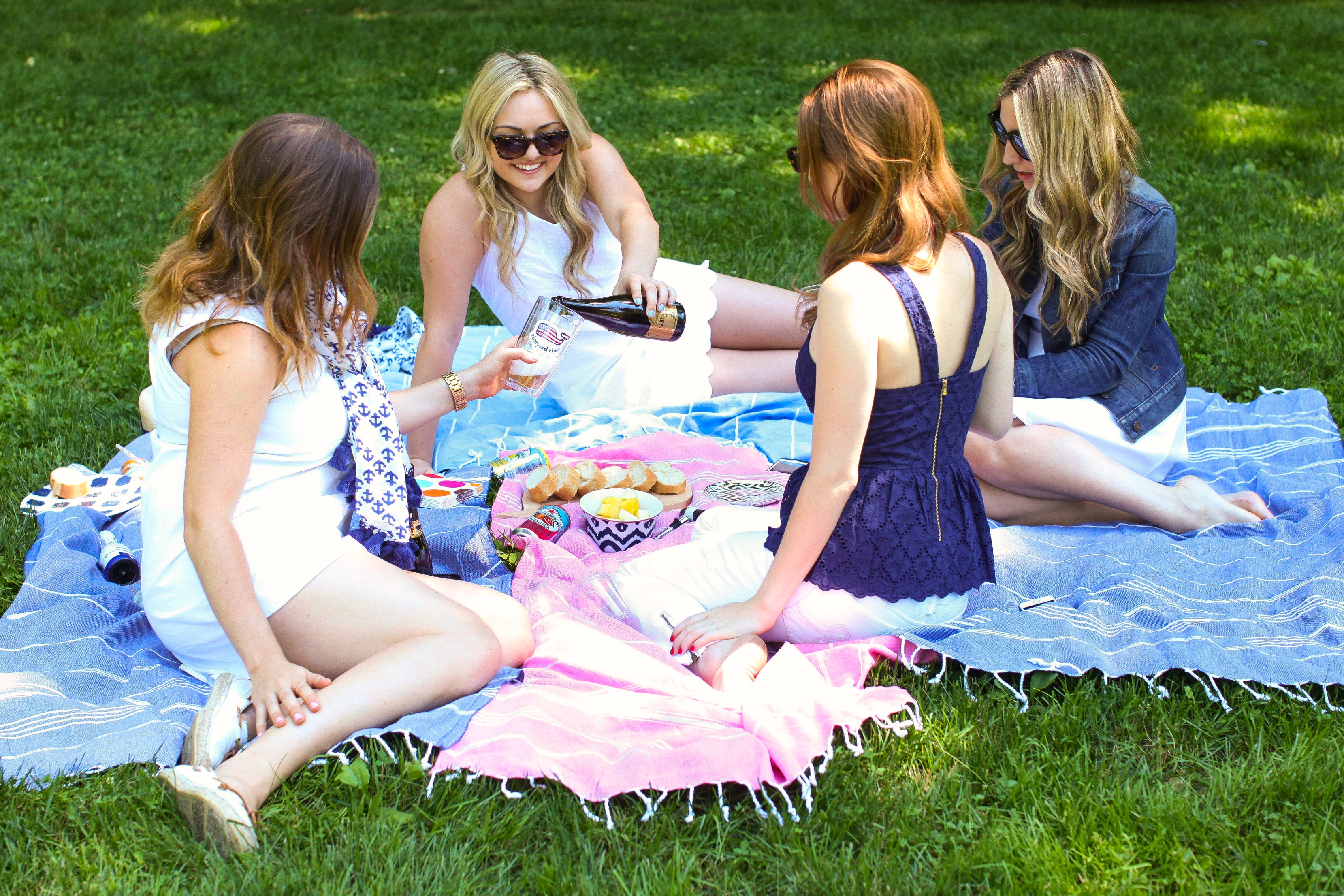Bows & Sequins hosting a picnic in Central Park in NYC with Hallie Wilson of Among Other Things, Mackenzie Horan of Design Darling, and Lauren Nelson.