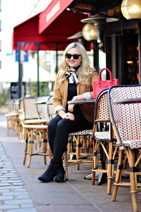 cafe du marche champ de mars