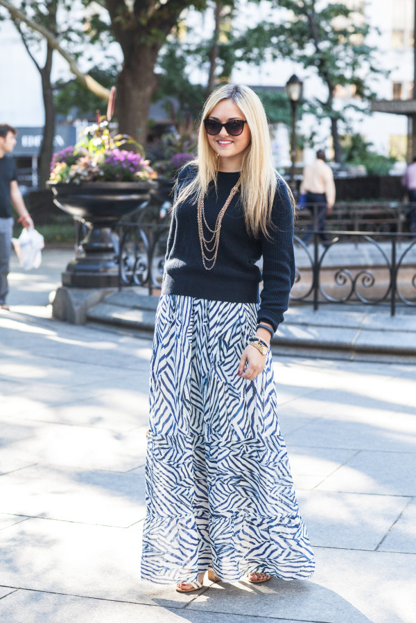 fall maxi skirt outfit
