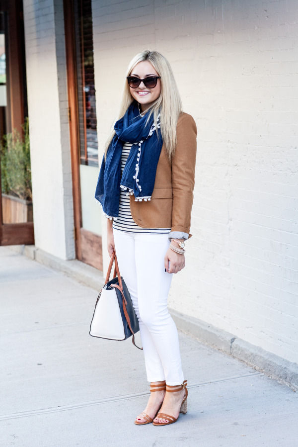 outfit to wear white jeans in the fall