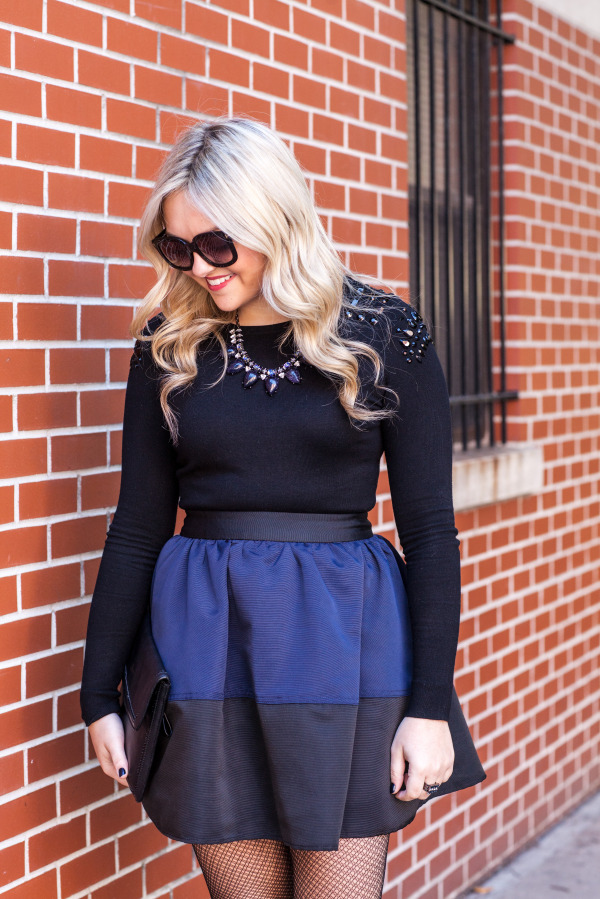 how to wear blue and black together outfit