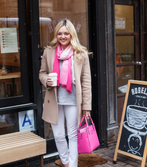 camel coat, gray sweater, white denim, leopard pumps, pink scarf, pink bag