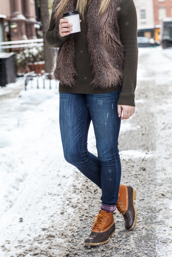 duck boots outfit blogger