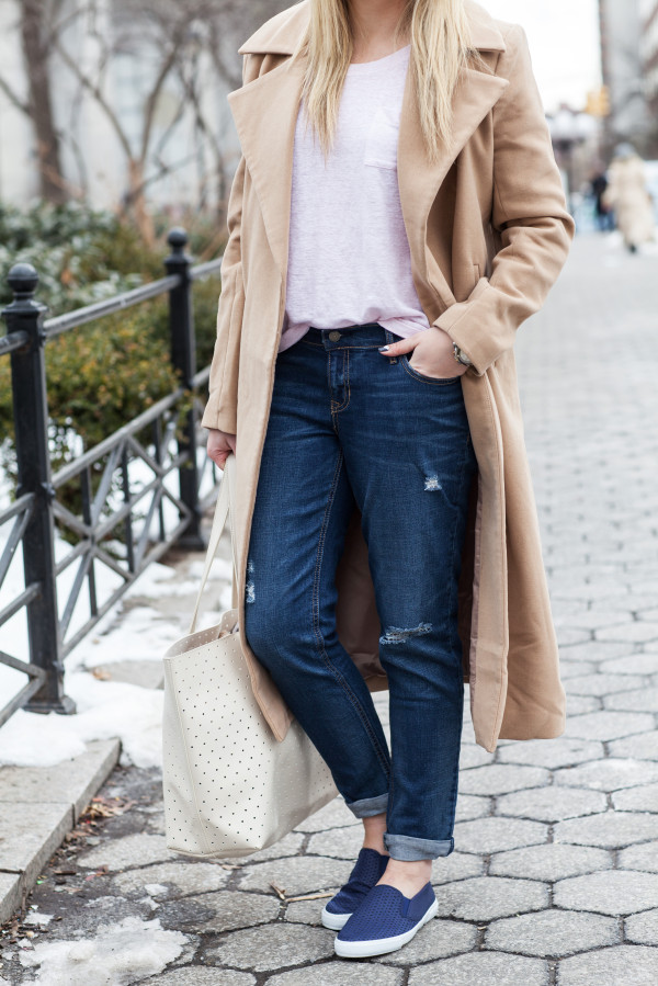 spring outfit -- blush boyfriend tee, slim-fit boyfriend jeans, slip-on sneakers, perforated tote