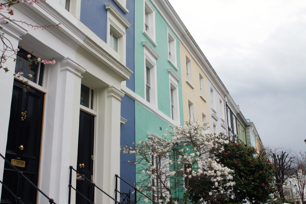 colorful-townhouses-notting-hill-london