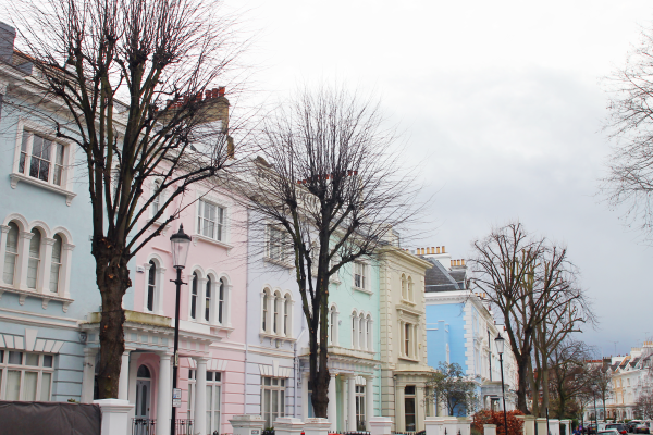 london-notting-hill-pastel-townhouses