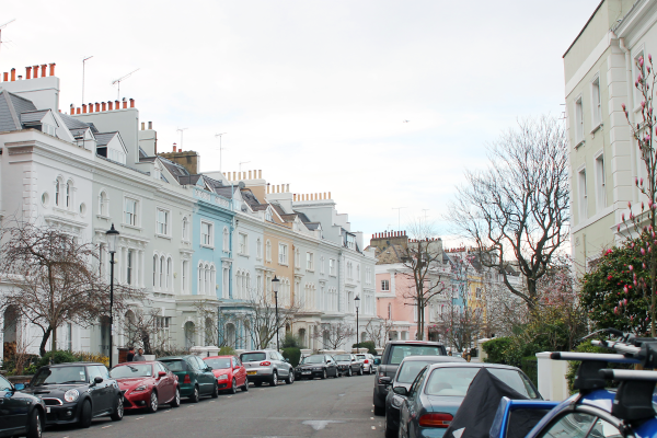 notting-hill-london-streets-of-colorful-homes