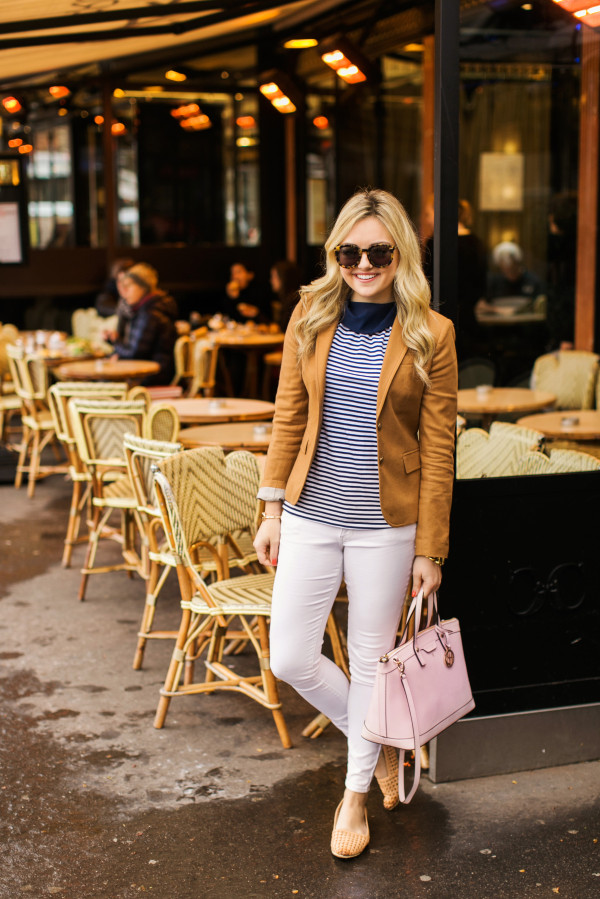parisian outfit at a cafe in paris