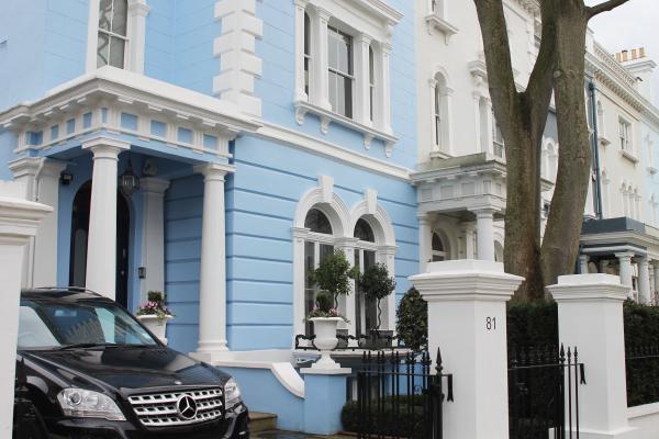 pastel-blue-townhouse-notting-hill-london