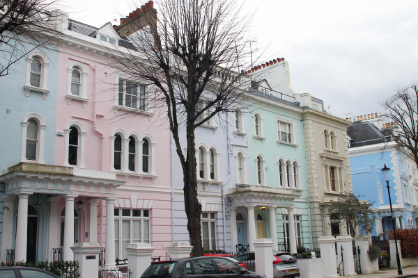 pastel-houses-notting-hill-london-portobello-road