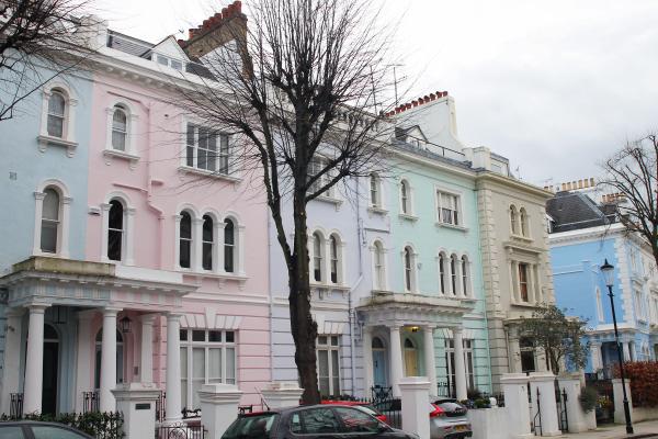 pastel-houses-notting-hill-london-portobello-road