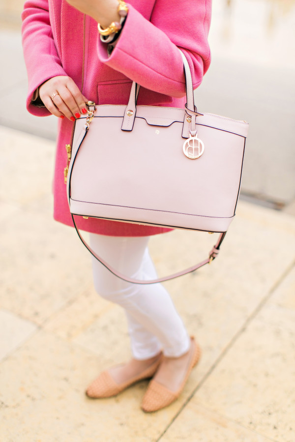 pink coat, white jeans, blush pink handbag, nude leather flats