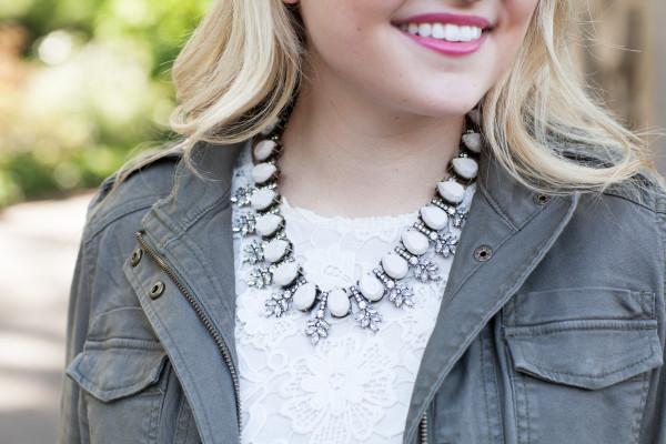 Bauble Bar Wreath Collar Necklace