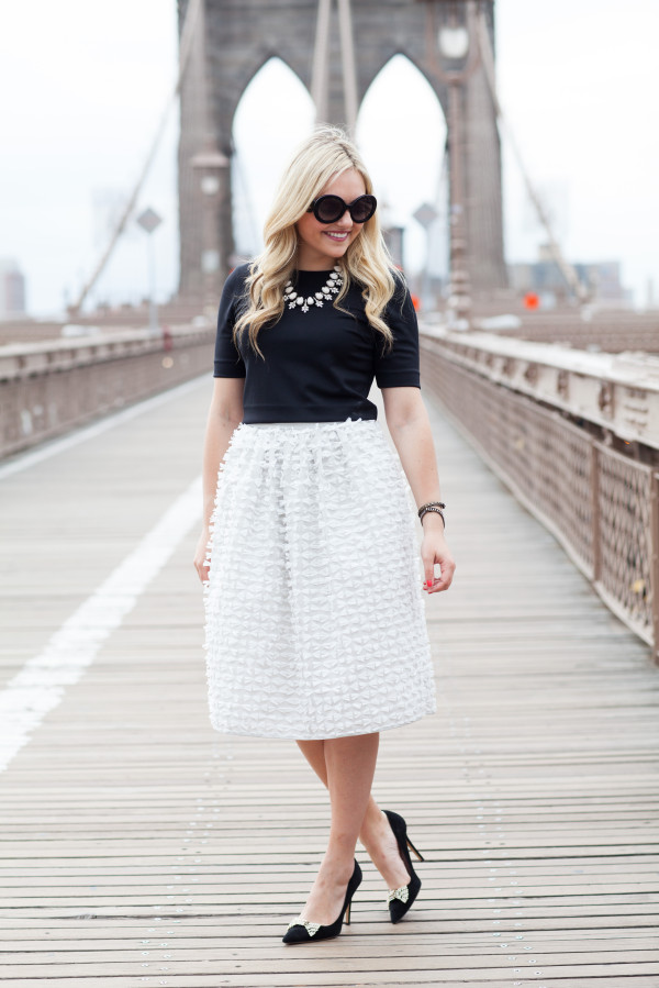 brooklyn bridge - black crop top, statement necklace, tibi ribbon bow full skirt, prada sunglasses, kate spade bow pumps - nyc blogger