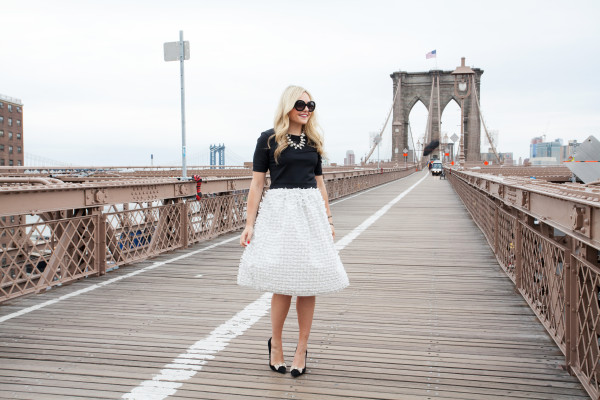brooklyn bridge photo shoot - nyc blogger - bow skirt - bow pumps- statement necklace