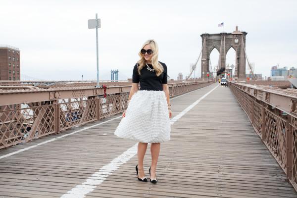 brooklyn bridge photos - tibi skirt - kate spade heels - nyc fashion blog