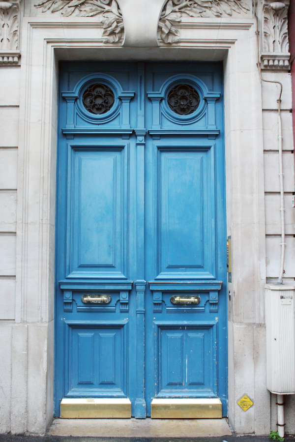parisian-door-french-blue-paris-saint-germain