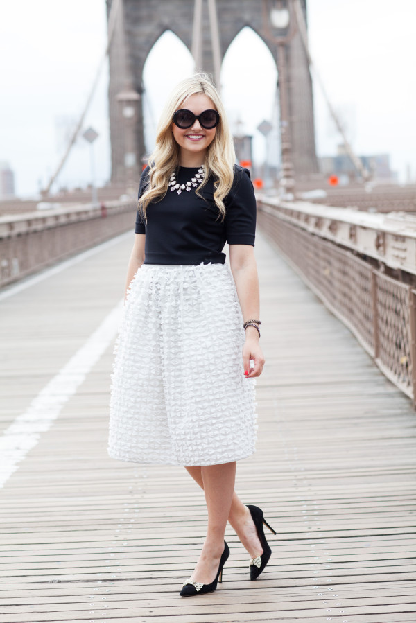 tibi ribbon bow skirt - kate spade black bow pump - brooklyn bridge - nyc blogger