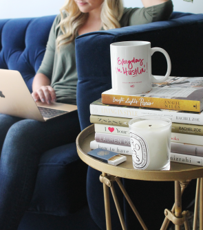 everyday-im-hustlin'-mug-ashley-brooke-designs