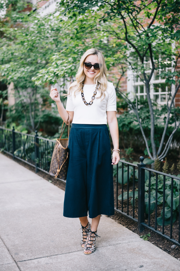 navy-culottes-outfit-work-attire