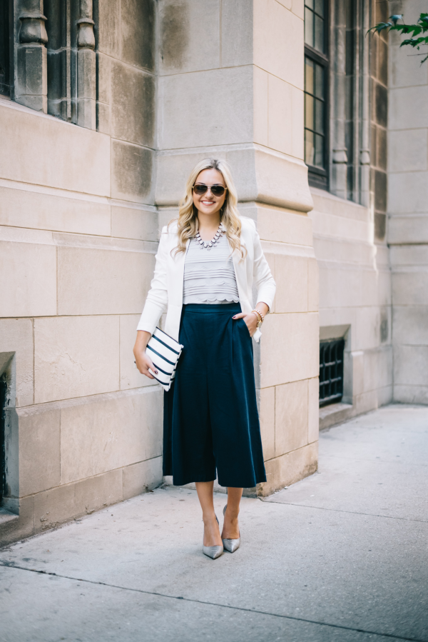 blogger-work-outfit-white-blazer-grey-blouse-navy-trousers-grey-pumps-striped-bag