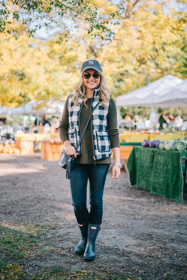 cute-fall-outfit-for-a-farmers-market