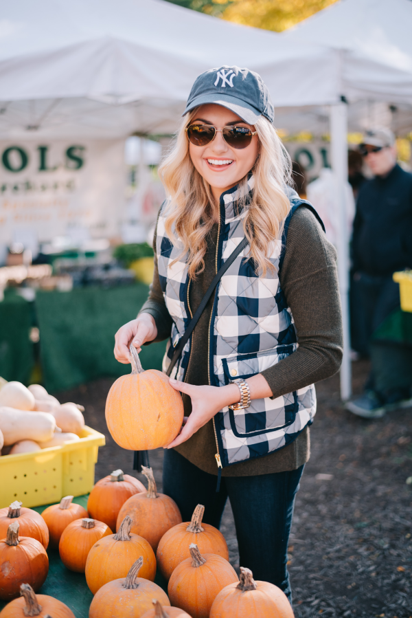 lincoln-park-chicago-fall-farmers-market-pumpkins