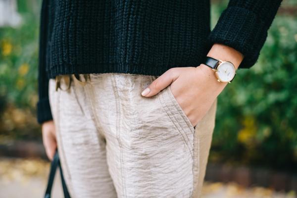 black-leather-strap-watch