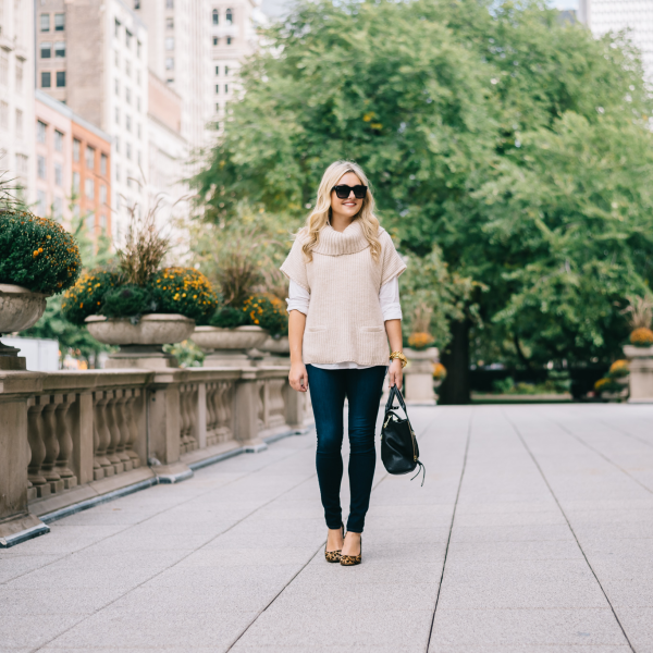casual-friday-outfit-jeans-and-heels