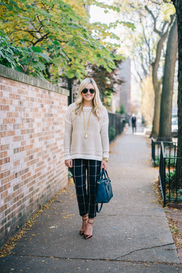 fall-work-outfit-sweater-plaid-pants