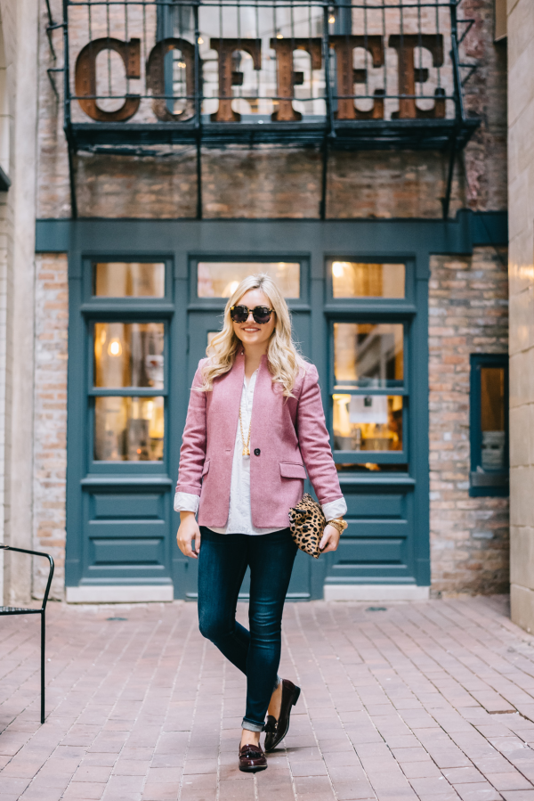 how-to-wear-a-pink-blazer
