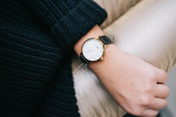 kate-spade-monogram-watch