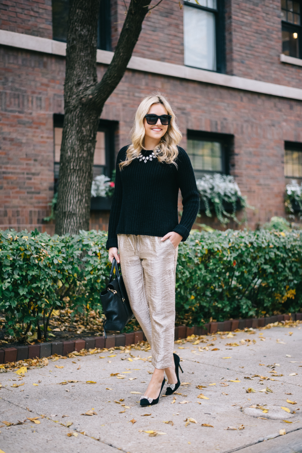 what-to-wear-with-gold-metallic-pants