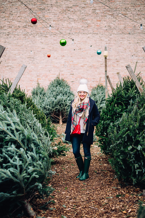 Oh, Christmas Tree — bows & sequins