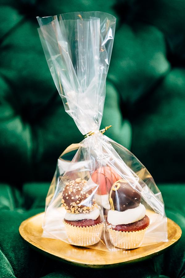 treat bags cupcakes