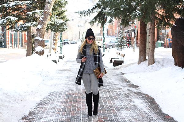 downtown aspen snow cobblestone