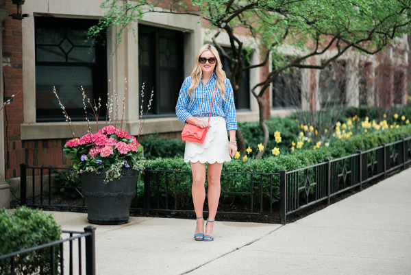 spring outfit ideas gingham scallops