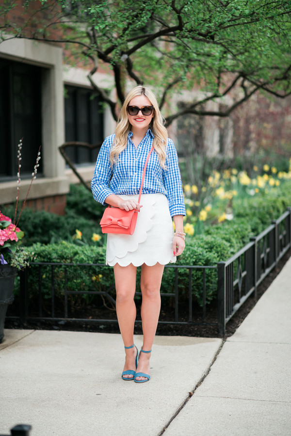 spring outfit ideas scalloped skirt gingham shirt