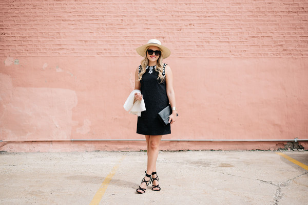 what to wear to a kentucky derby party black dress with a hat and heels