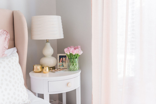 Blogger Jessica Sturdy of @bowsandsequins shares her Chicago Parisian-chic bedroom design.