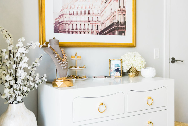 Blogger Jessica Sturdy of @bowsandsequins shares her Chicago Parisian-chic bedroom design. White Bungalow 5 Jacqui Dresser with Gold Drawer Pulls.