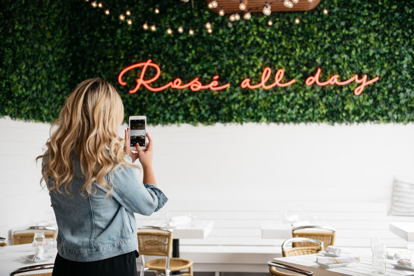 rosé all day hampton social chicago pink neon sign instagram