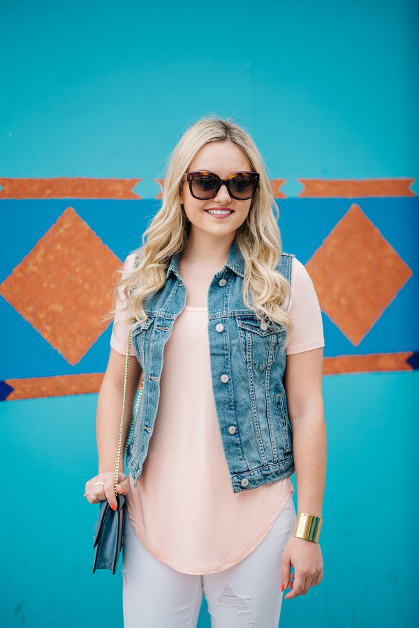 how to wear a denim vest outfit ideas
