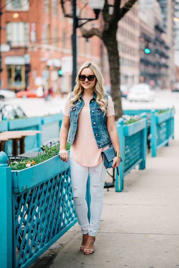 turquoise outdoor patio chicago, denim vest, coral tee, white jeans, nude sandals, casual spring summer outfit